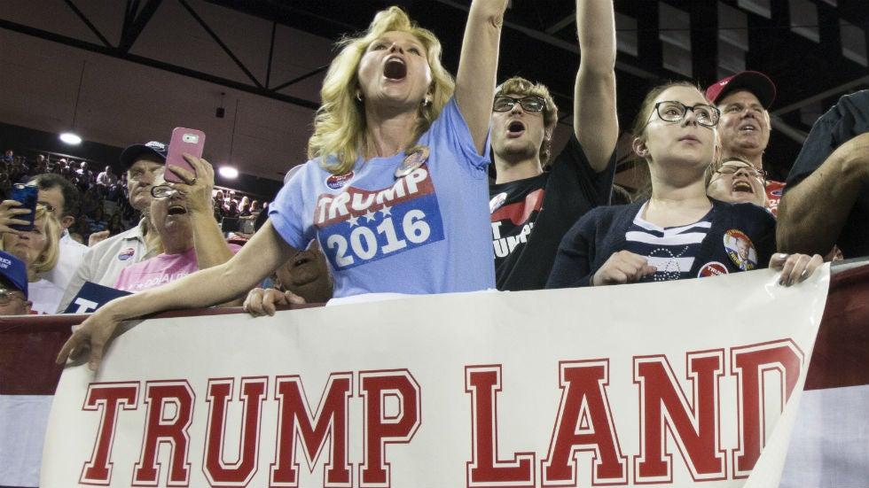 Pro-Trump group hunts for hidden voters